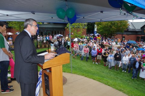 President Laackman gives an address to the Class of 2018 and families