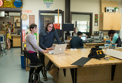 students working in the makerlab
